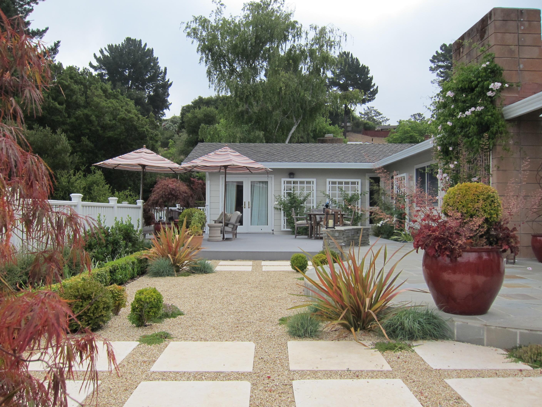 Small garden design and how we won the 2012 clca award for Award winning backyard designs