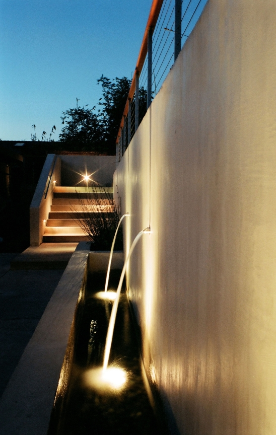 Lighting on stair and fountain